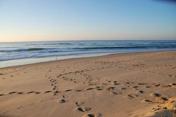 Strand mit Sonne und Meer