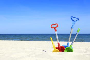 Schaufeln im Sand
